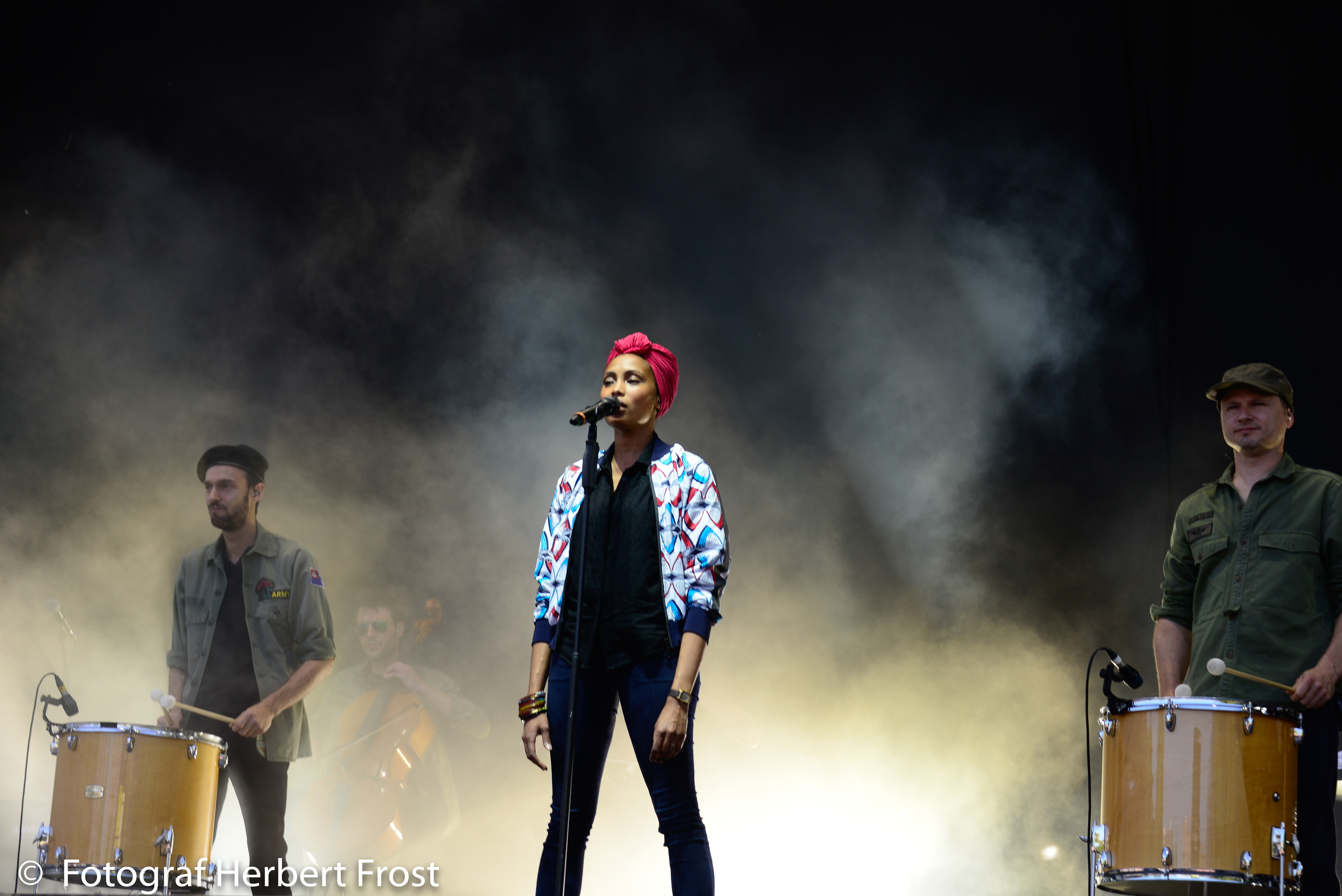 Soul-Sängerin Imany performte mit männlicher Verstärkung